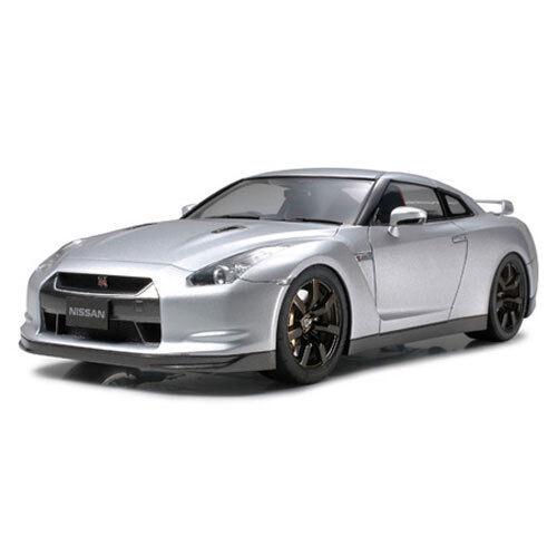 TAMIYA 24300 Nissan GT-R 1 24 Car Model Kit