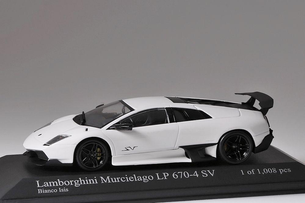 Lamborghini Murcielago LP 670-4 SV SV SV 2009 weiss Minichamps 1 43 NEU OVP 203d08