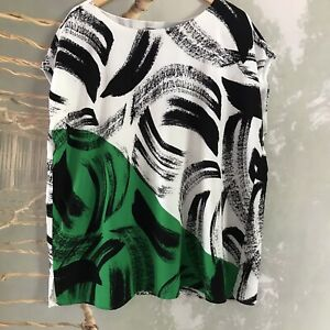 Vince-Camuto-2x-Black-white-Green-Print-Sleeveless-Top