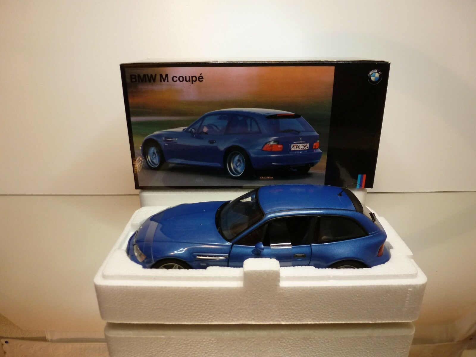 UT MODELS BMW M COUPE E36/8S - blu  METALLIC 1:18 RARE - EXCELLENT IN BOX