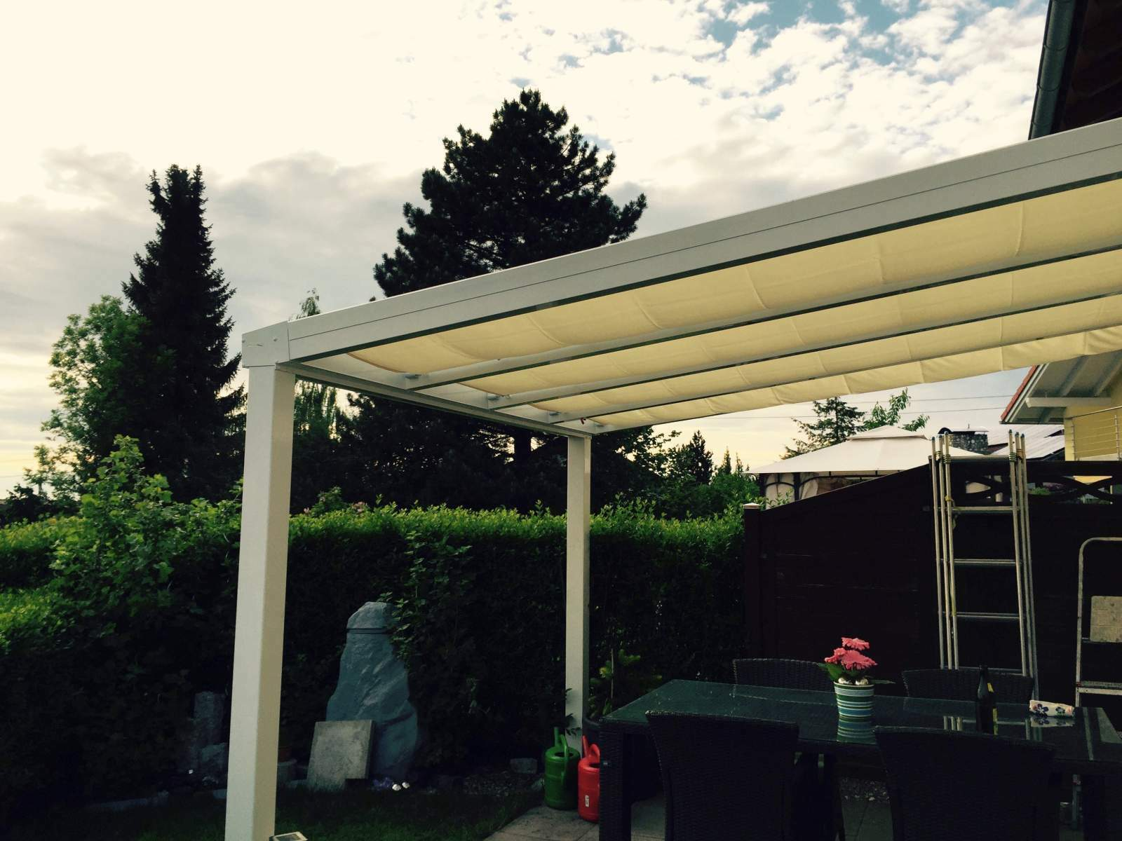 Terrassendach Alu 10 mm VSG + Sonnensegel Terrassenüberdachung 10 m breit Glas