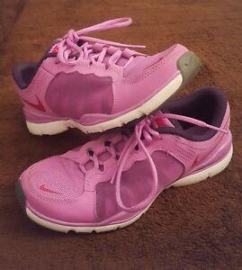 Women's Nike Training Flex TR2 Running Sports Purple / White Sz 6.5 EUC Walking