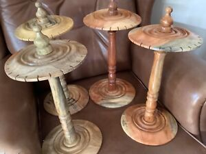 Pendulum-Display-Stand-holds-24-sustainable-mango-wood-Ideal-for-Fairs