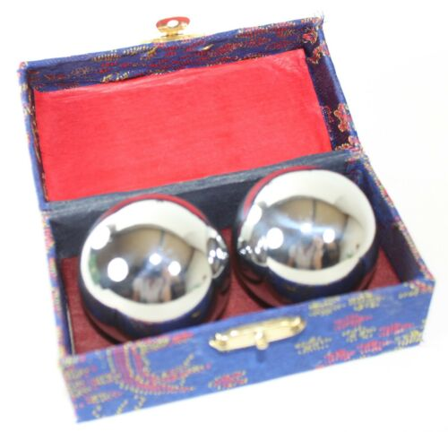 Set of 4 of  Heavier Chinese BaoDing IRON Balls with Crispy Chimes for man