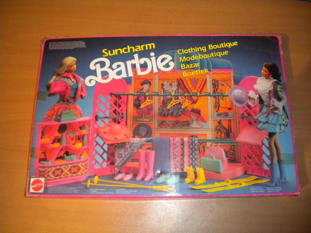 VINTAGE BARBIE 1990 SUNCHARM CLOTHING BOUTIQUE SET MATTEL MIB  8778