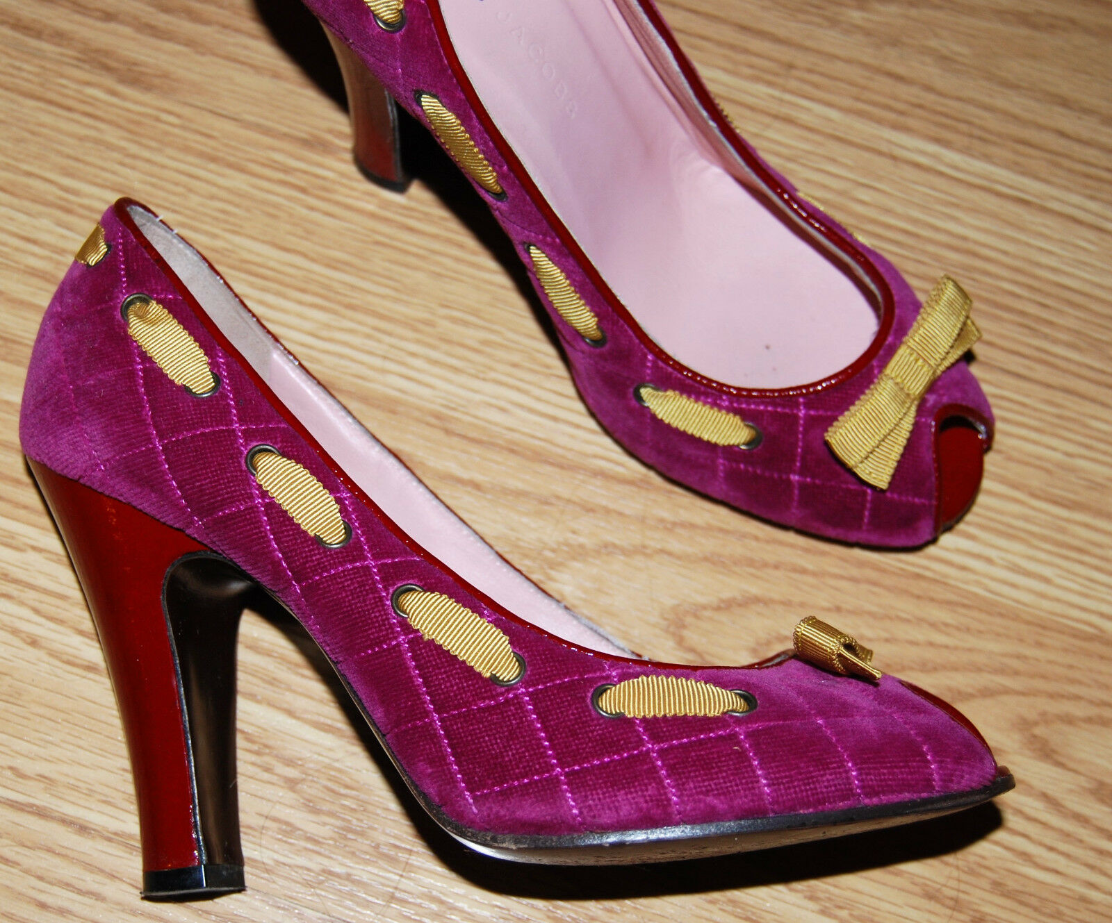 MARC JACOBS fushia pink QUILTED VELVET Pumps RED 4  sculpted heels peep toe 8