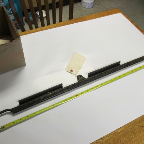 NOS 1937 1938 1939 FORD DRIVERS SIDE FRONT DOOR WINDOW CHANNEL ASSEMBLY NEW