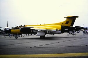3-932-Hawker-Siddeley-Buccaneer-S2B-XW988-Royal-Air-Force-Kodachrome-SLIDE