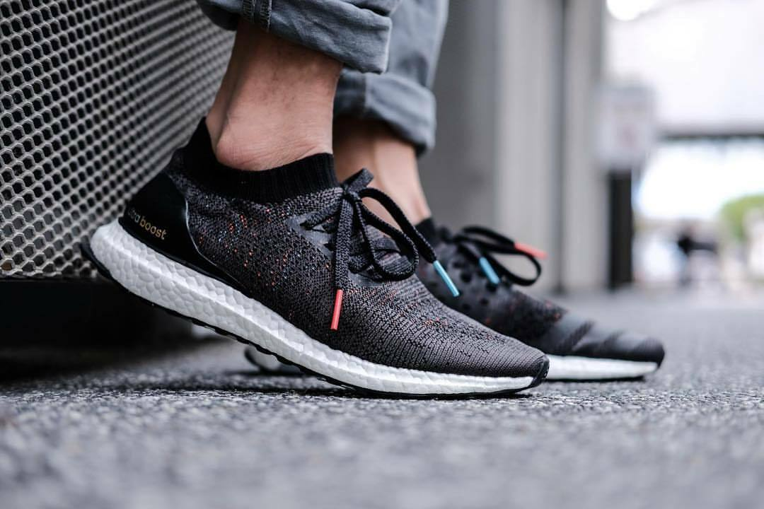 Adidas Ultra Boost Uncaged size 8.5. Black Multicolor. BB4486. primeknit pk nmd