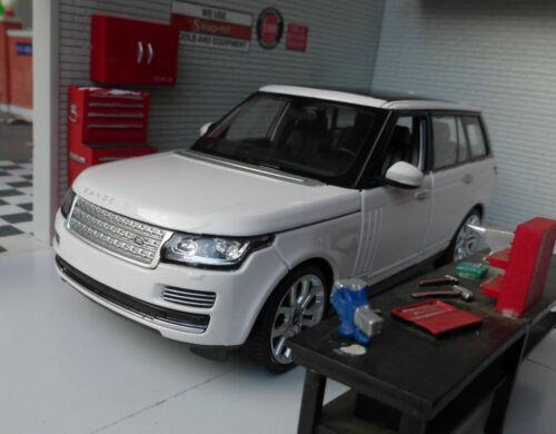 1:24 Range Rover L405 TD6/4.4 V8 Weiß Hse Vogue Detaillierte Rastar Spielzeugautos
