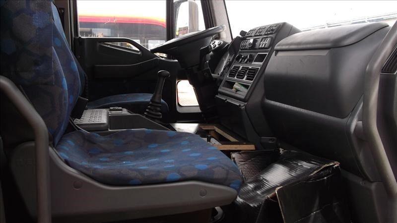 Iveco 120E21 - 22 pallers fragtbil lift og spil, 2004