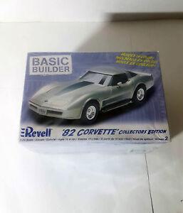 REVELL-Collectors-Edition-039-82-CORVETTE-BASIC-BUILDER-MODEL-KIT