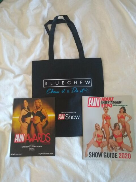 AVN ADVERTISING DISCOUNT CARDS 2015 QTY 2