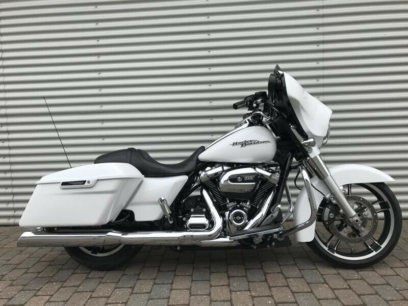 Harley-Davidson, FLHXS Street Glide Special, ccm 1745