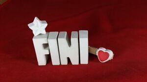 Beton-Steinguss-Buchstaben-3D-Deko-Namen-FINI-als-Geschenk-verpackt