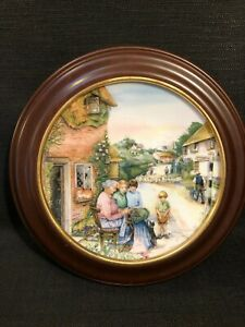 Royal-Doulton-The-Lace-Maker-Old-Country-Crafts-Boxed-Framed-Collectors-Plate