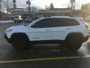 $22,999 ~~  Cheapest 2016 Jeep Cherokee Trailhawk 4x4~~ LOW 79KM