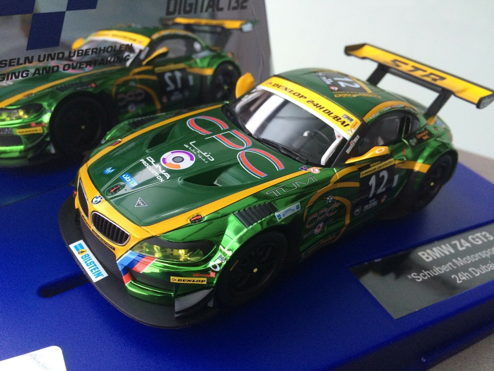Carrera Digital 132 30699 BMW Z4 GT3   Schubert,No. 12   24 H Dubai 2013 New Box