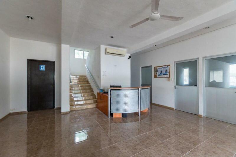 ¡¡Casa y oficinas comerciales en un mismo inmueble de 778.72 m² de superficie!!