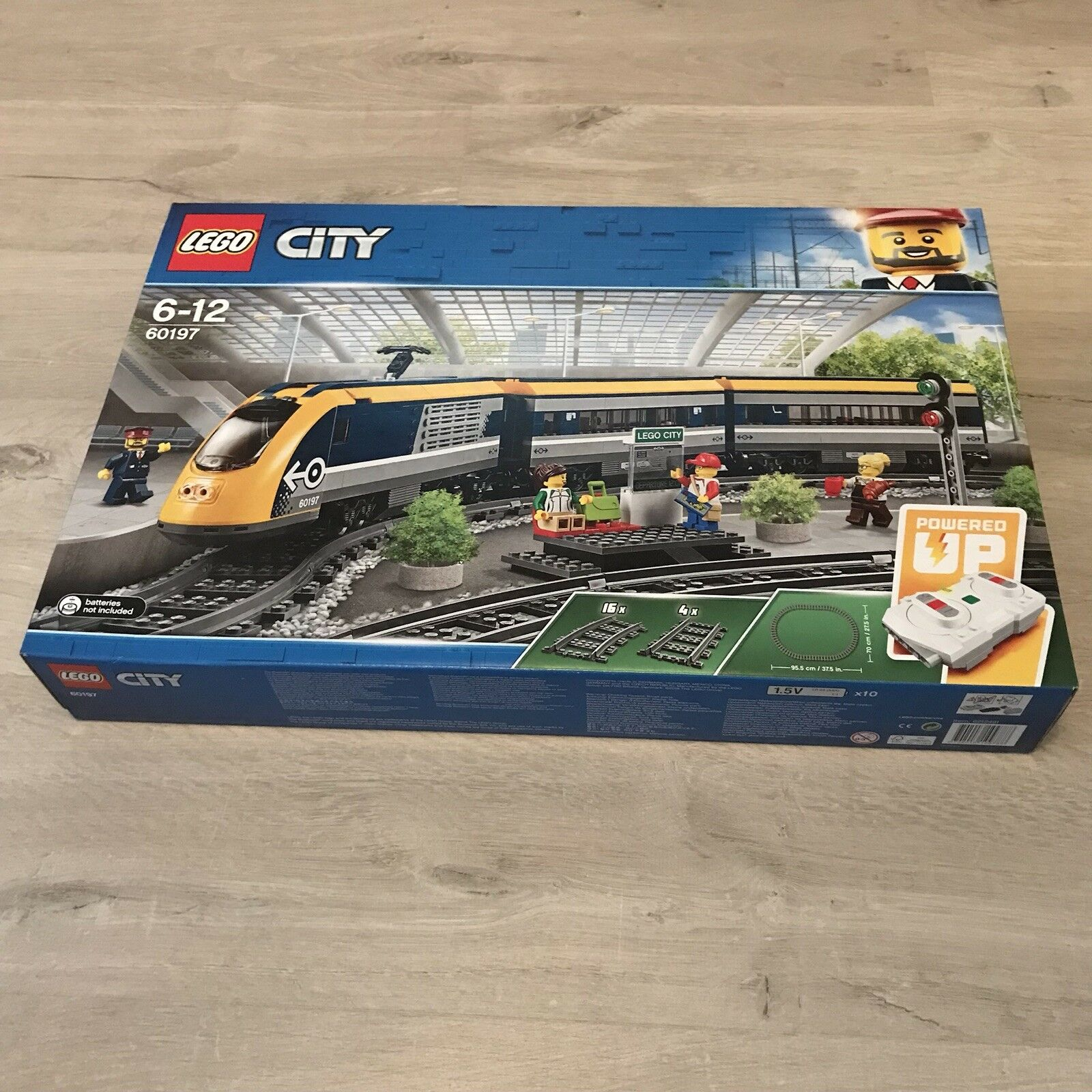 60197 LEGO City Trains Passenger Train 677 Pieces Age 6+ New Release for 2018