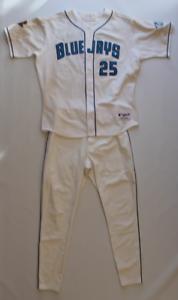 Carlos-Delgado-game-worn-used-2001-Toronto-Blue-Jays-uniform-Jersey-amp-Pants