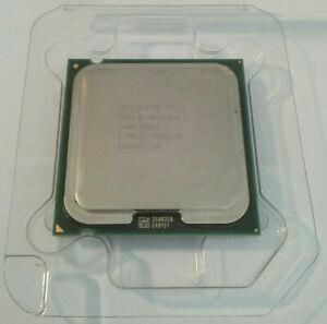 Processeur Intel Celeron Dual Core E3300 2.50Ghz 1Mo 800Mhz Socket 775 SLGU4