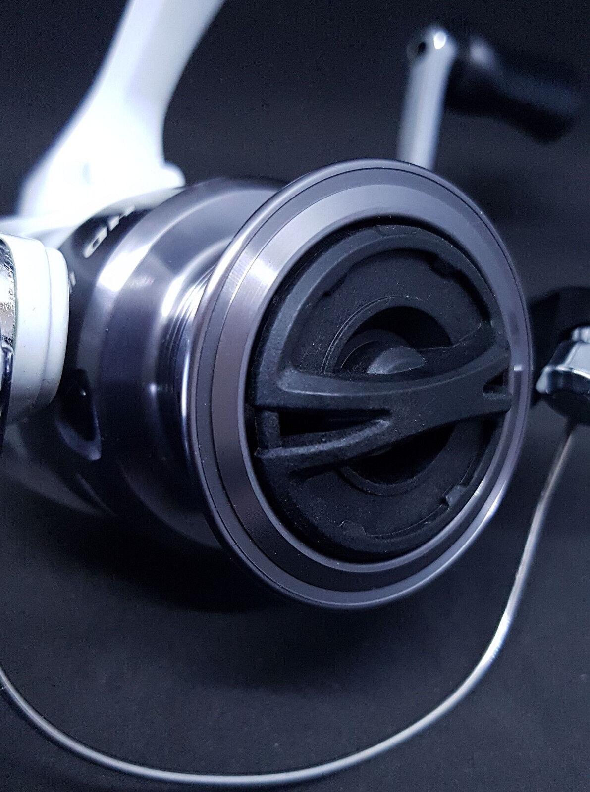 SHIMANO SIENNA HD 2500 4000 Angelrolle + + + 150m geflochtene Schnur Sondermodell fcc5d1