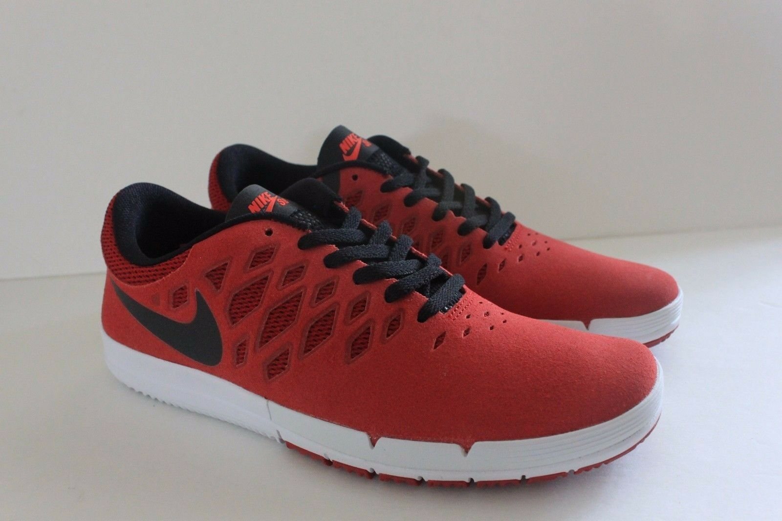 Nike Free SB Skate Shoe Sneaker Size 10 Eur 44 704936 606 Red Black NIB Men's