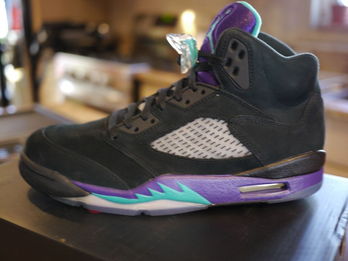 Nike Air Jordan Retro 5  Black Grape  - DS New in Box Sz 8