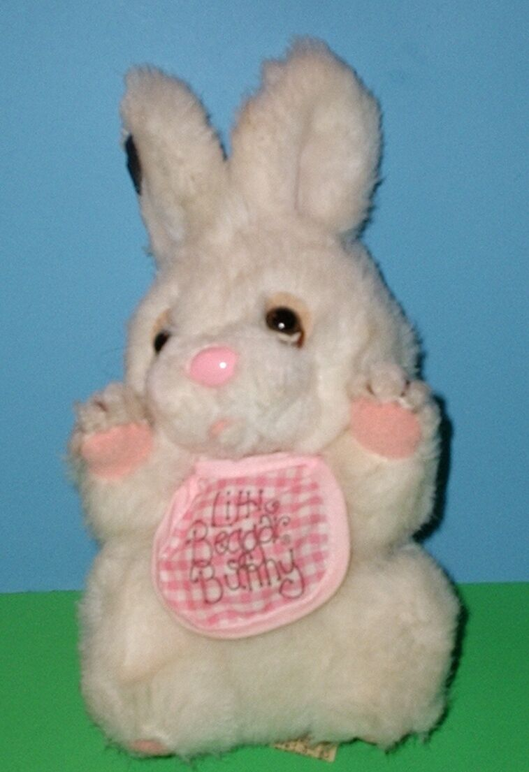 Applause Little Beggar Bunny Rabbit Plush with Bib Rare Vintage 1984 8827 9