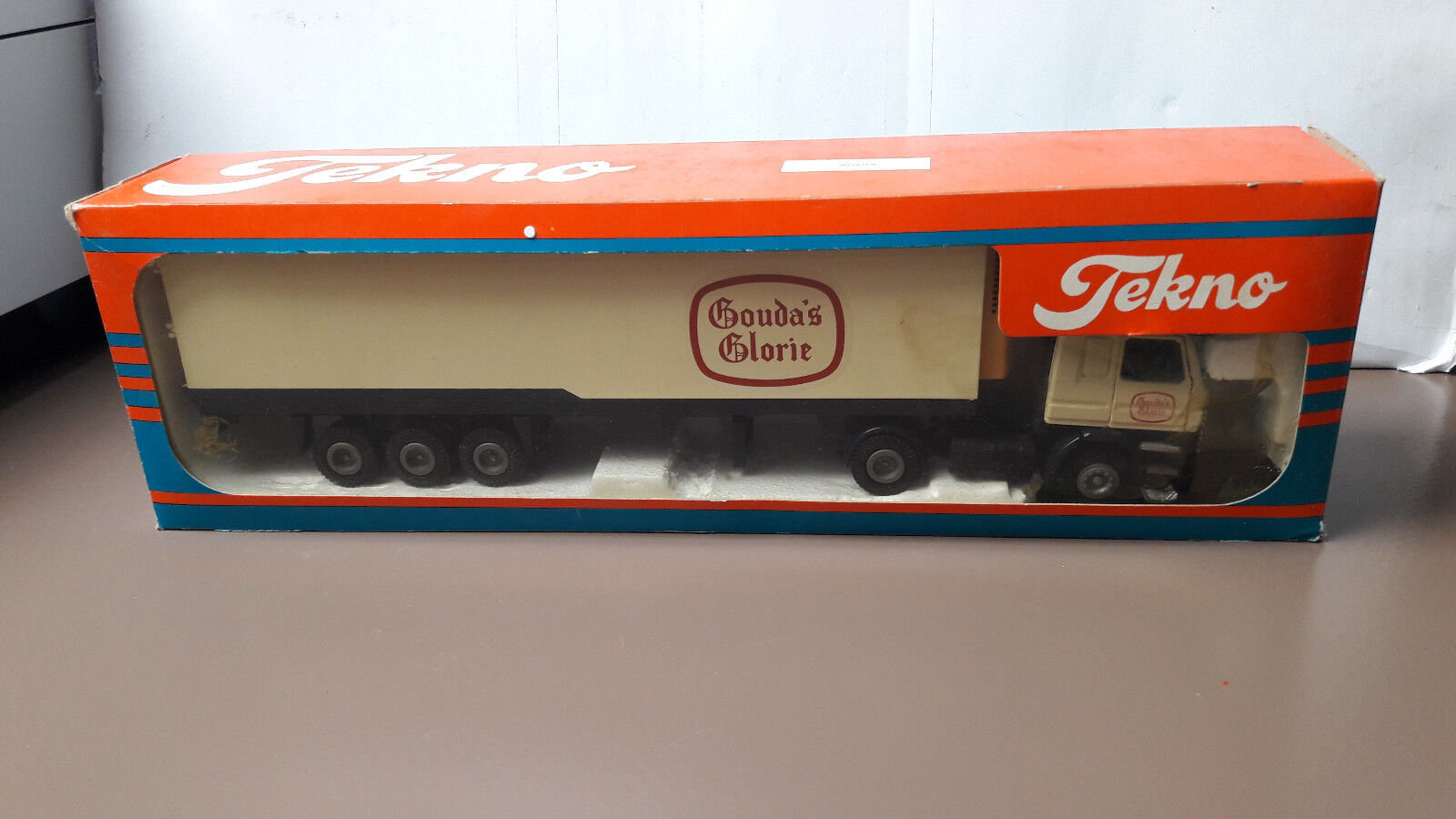 Tekno Scania 142M Gouda's Glory 1  50 Org. BNIB  sports chauds