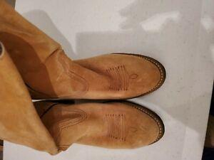 WOLVERINE-tan-Suede-Cowboy-Boots-Womens-Size-6-1-2-M