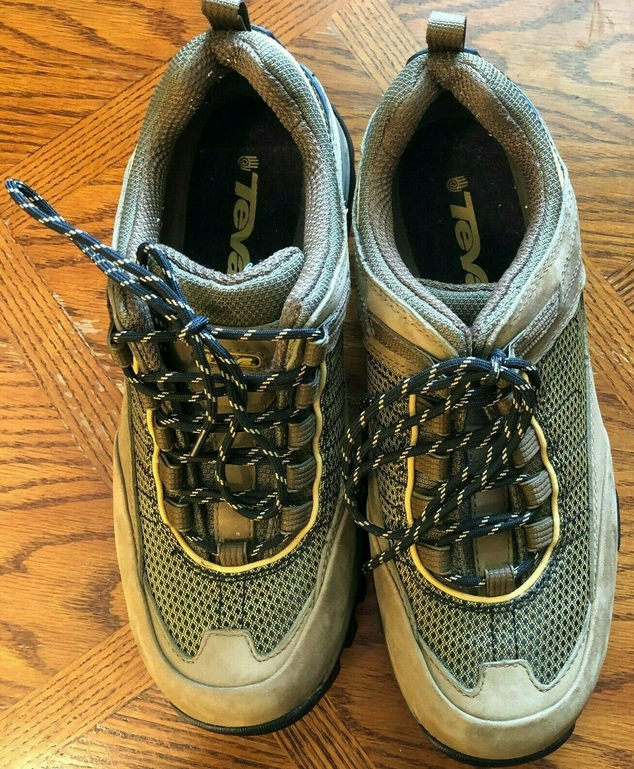 EUC Teva Hiking shoes SN 6868 Womens 9.5 M  Light Brown Lace Up Suede Mesh Boots  new sadie