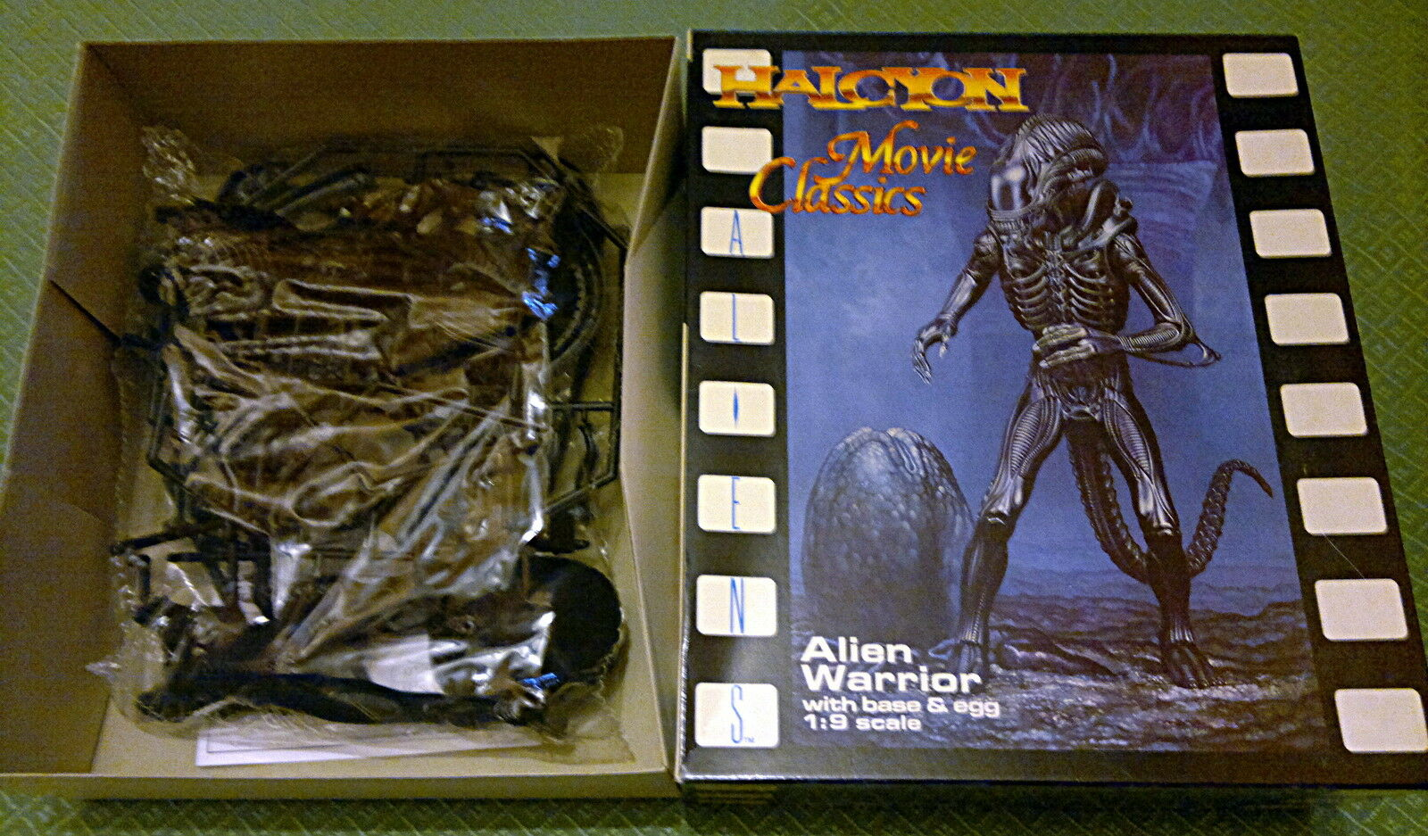 Halcyon Alien warrior with  base and egg Movie Classic  vente au rabais