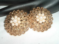 VINTAGE AVON  RUNWAY ROUND WHITE PEARL GOLDTONE CLIP EARRINGS IN GIFT BOX