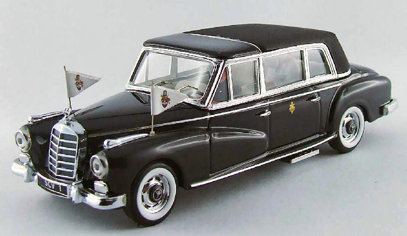 Mercedes 300d 1963 Papa Giovanni XXIII 50  Anniversary with 2 Figures 1 43 Rio  plus d'ordre