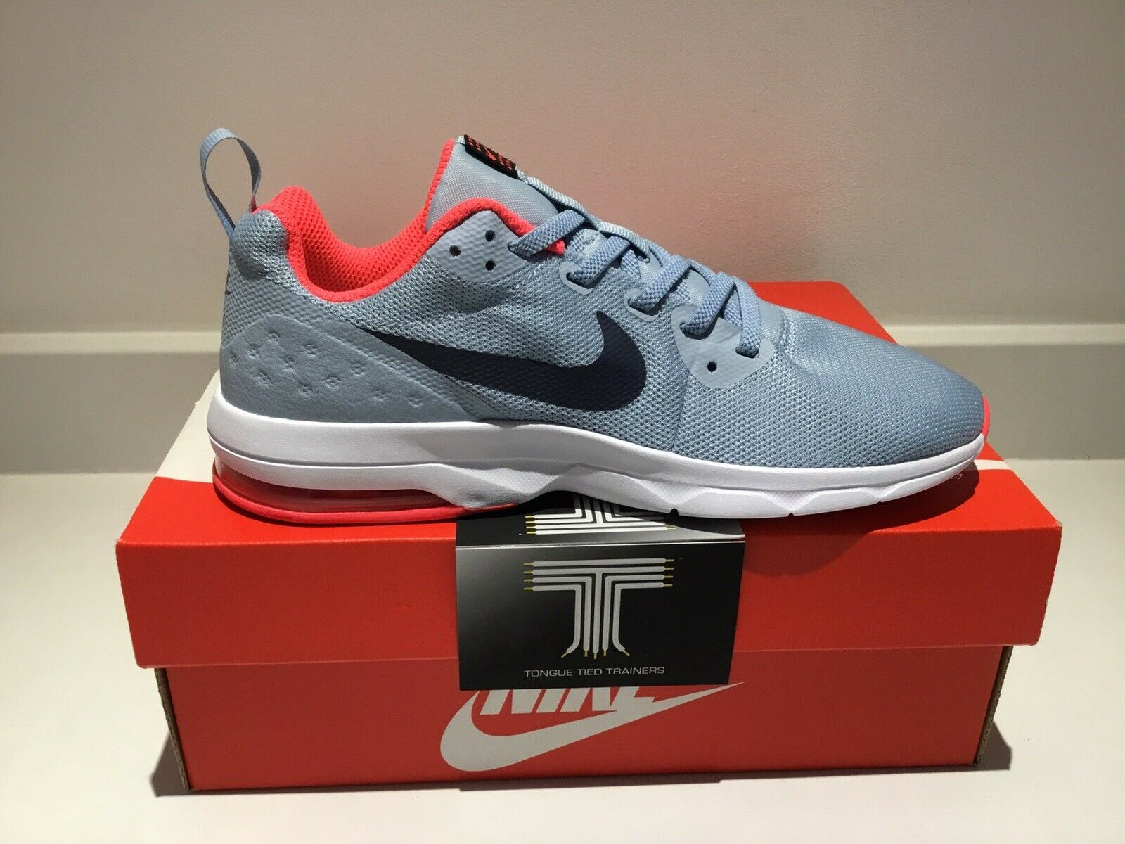 Nike Air Max Motion LW ~ 917656 400 ~ jeunesse Taille UK 2.5 ~ Euro 35