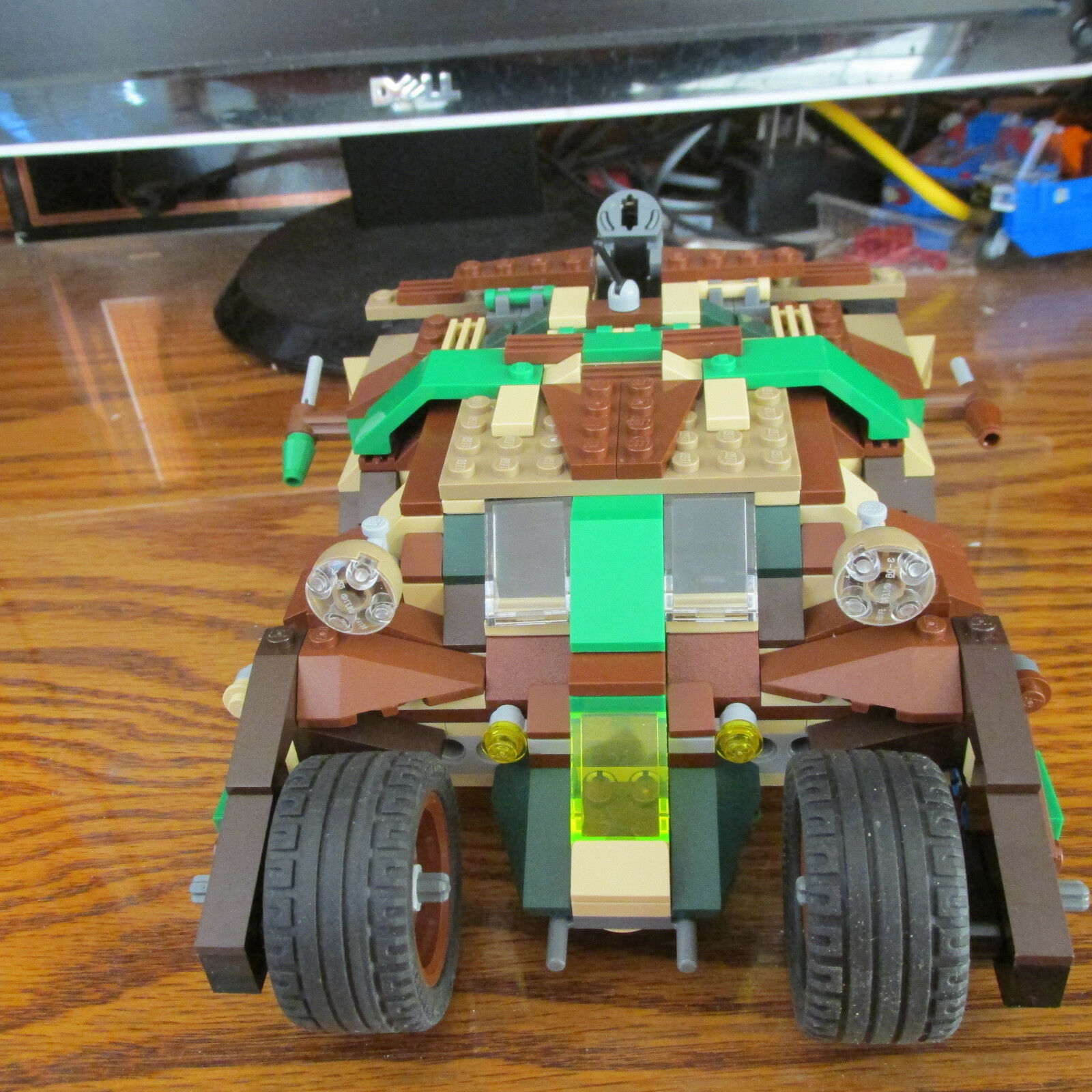AUTHENIC LEGO BATMAN  CAMOUFLAGE TUMBLE CHEAPEST ON EBAY  z