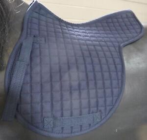 Satteldecke-Shetty-VS-blau-Stepp-RL-44-5cm-Seite-39-3cm