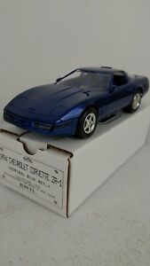1994-ERTL-AMT-Chevrolet-Corvette-ZR-1-Admiral-Blue-Metallic-Promotional-Car