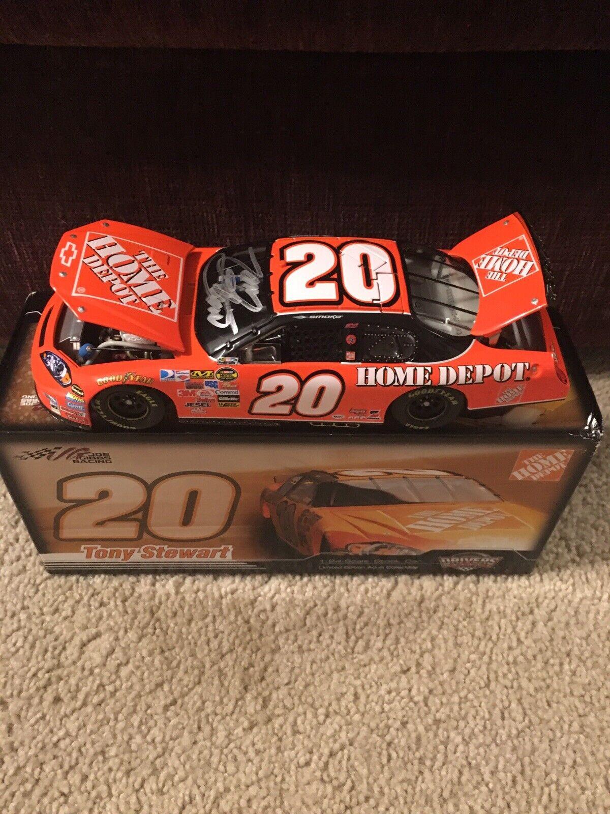 Tony Stewart signé dédicacé 2007 Action 1 24 Home Depot