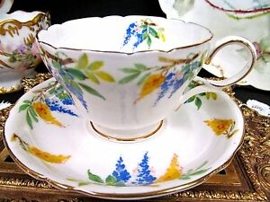 Shelley-tea-cup-and-saucer-lilac-pattern-floral-teacup-design-made-in-England