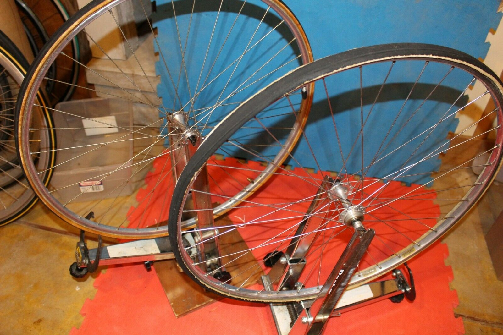 Campagnolo  Record Low Flange Wheels  700C Fiamme tubular  select from the newest brands like
