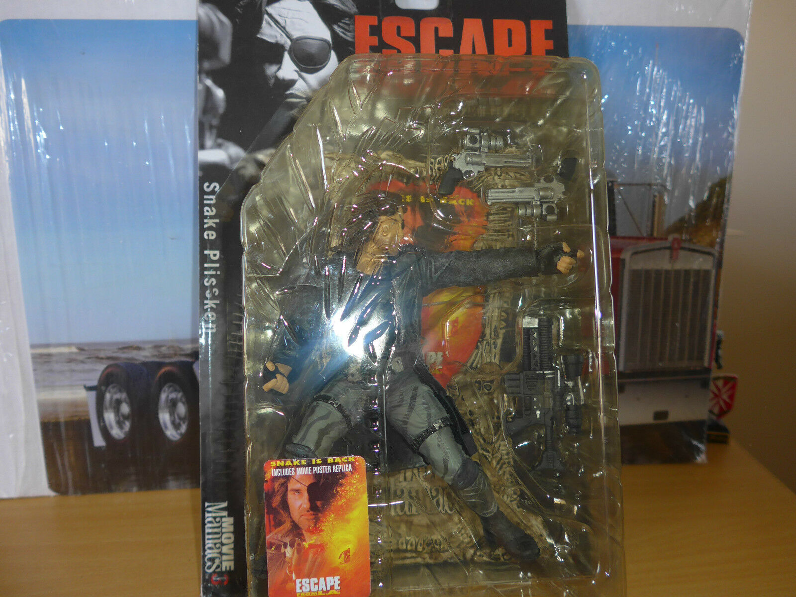 Mcfarlane action figure figure figure set  Escape from LA  for {ages13+} from movie maniacs 511141