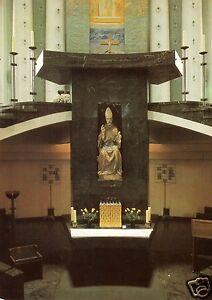 AK-Berlin-Mitte-St-Hedwigs-Kathedrale-Altarstele-mit-Petrusstatue-1988
