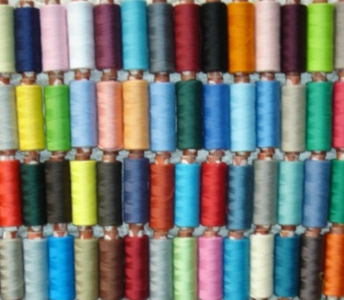 100 x New Assorted 100/% Polyester Sewing Thread Spools High Quality