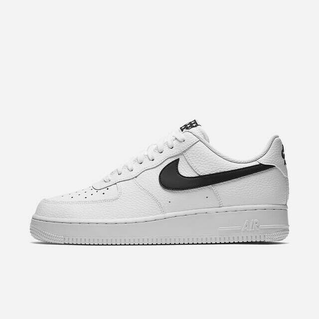 Nike MEN'S Air Force 1 '07 LOW SIZE 11 BRAND NEW BLACK WHITE STARS AF1