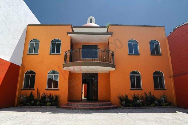 Venta Casa   Cuernavaca con habitación en planta baja