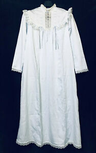 Christian Dior  l.Magnin  Sleepwear