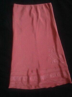 Umoristico Laura Ashley Pretty Pink Rose Fiore Di Seta Ricamata A Lungo Gonna Taglia 12-mostra Il Titolo Originale